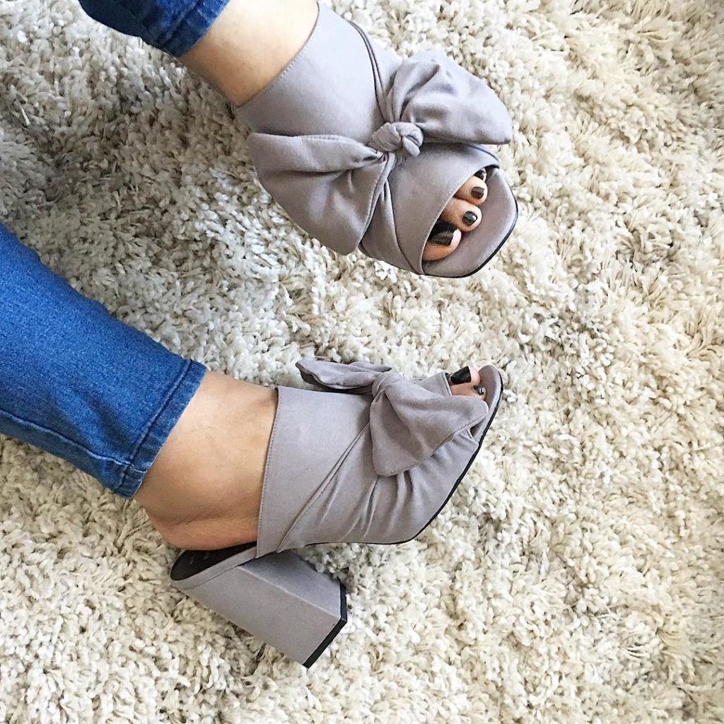 These super cute mules are my new faves! They comehellip